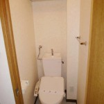 トイレ・温水洗浄便座・上部棚