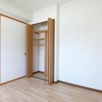 寝室5帖・クローゼット