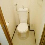 トイレ・温水洗浄便座・上部収納棚